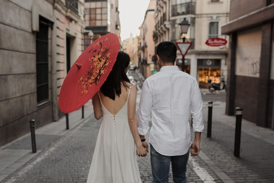 Engagement pictures in Madrid