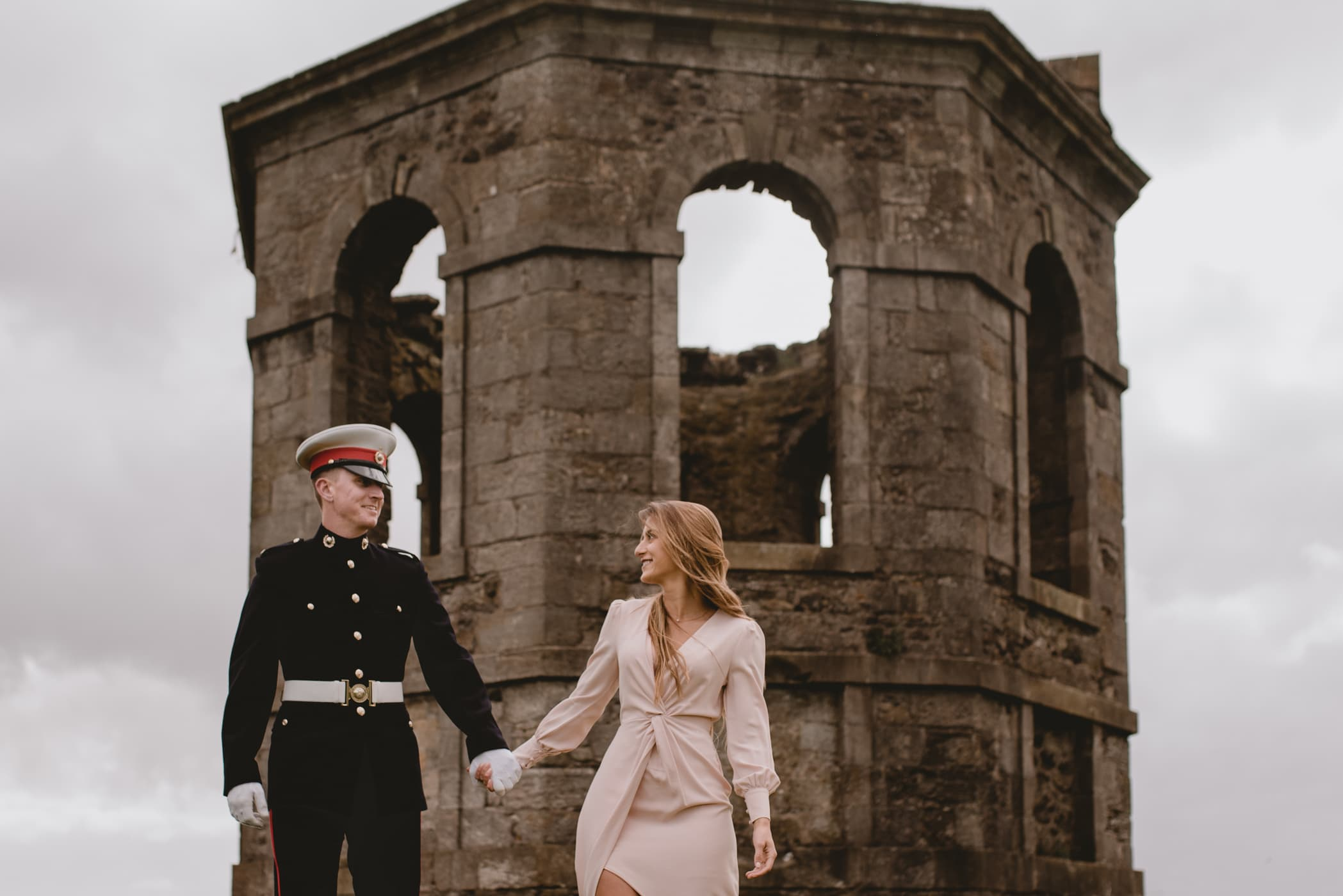 engagement photos with a castle