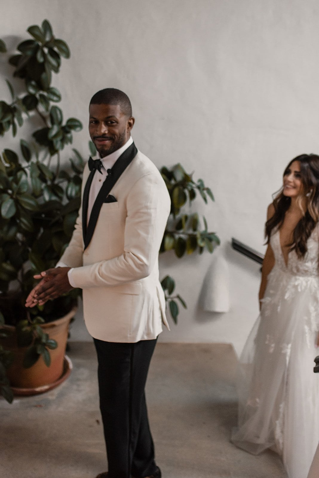 A first look during a granada spain elopement