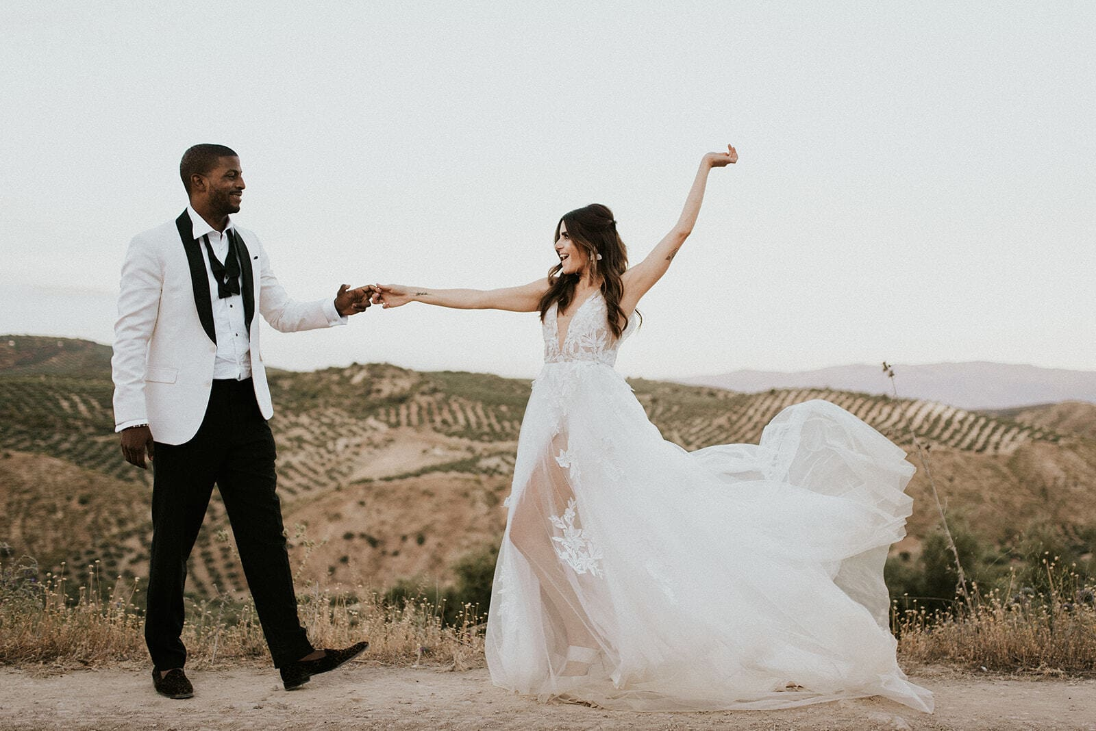 Five Tips on How to Save Money Eloping
