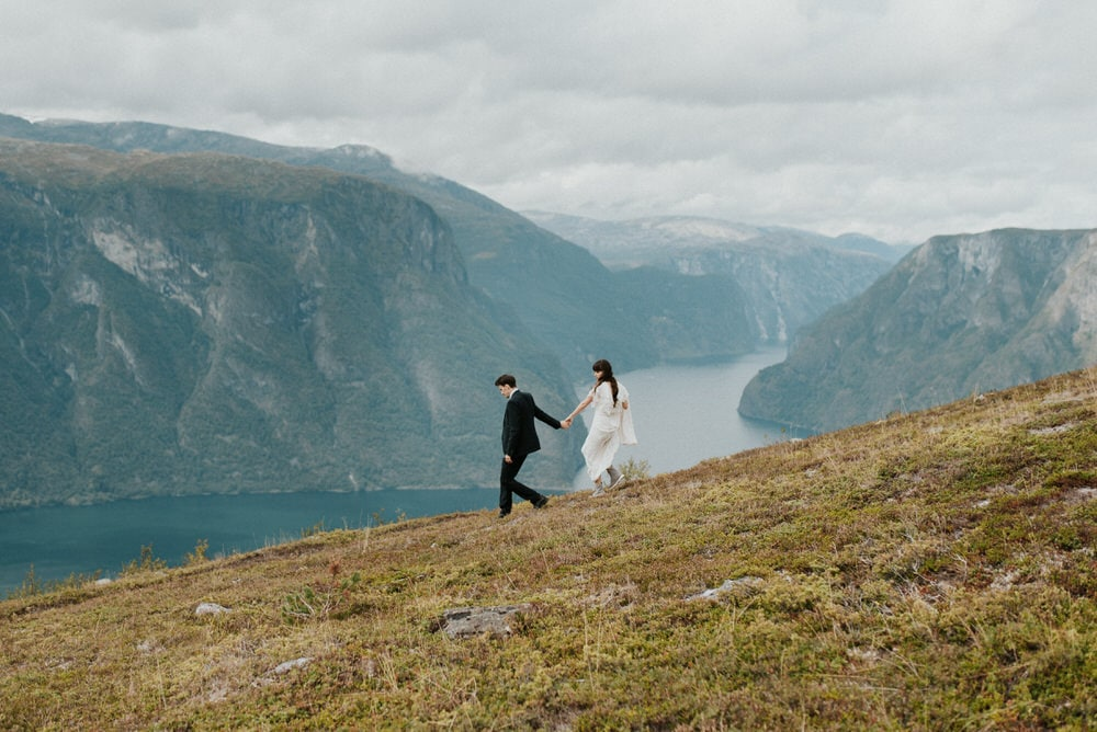couple eloping in Norway