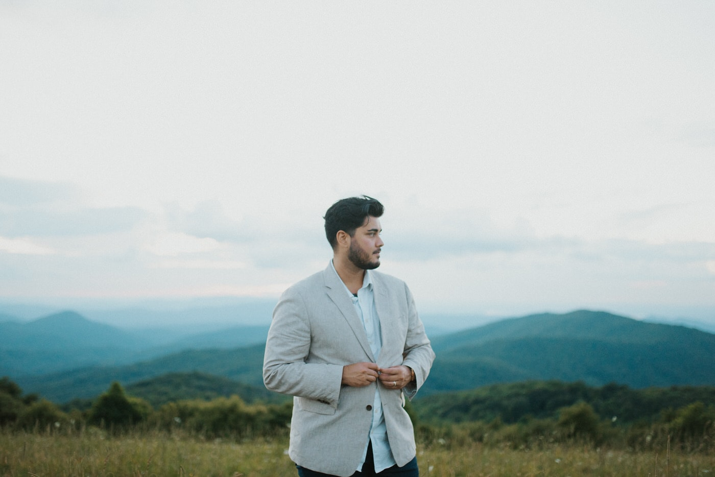 groom getting ready in asheville